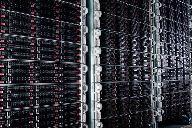 serveurs internet - OVH - sécurité - cloud - SaaS - protection des données - service en ligne