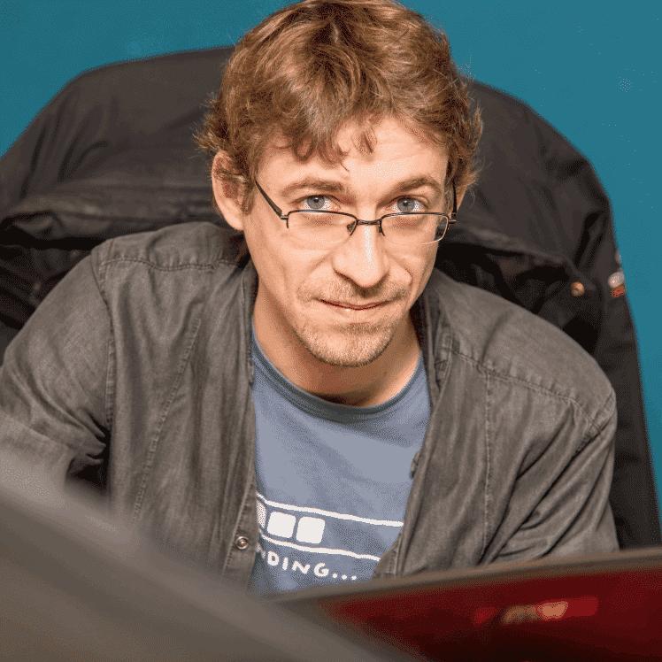 simon - ingénieur - développeur - système d'information - virage group