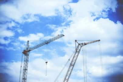 gestion de projet et bâtiment période estivale